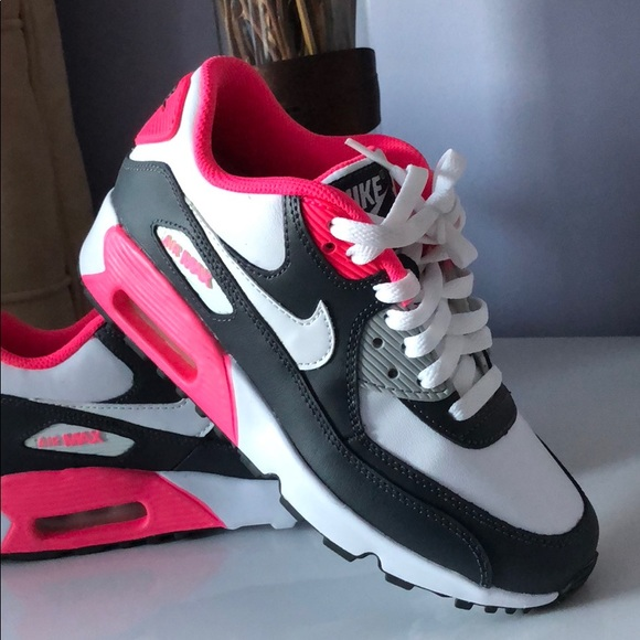 Nike Air Max 90 Hot Pink & Navy Blue